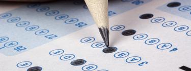 Photo d'une feuille-réponse d'un test à choix multiples.